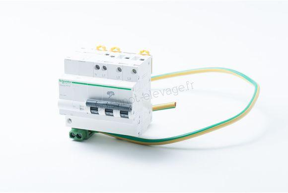 Iquick Pf10 3p+n A9l16618